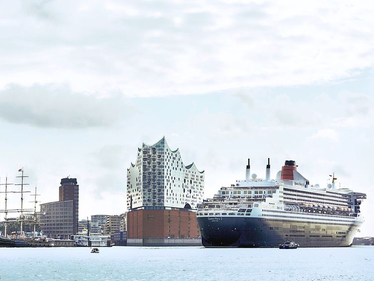 Experience the city from the waterside.