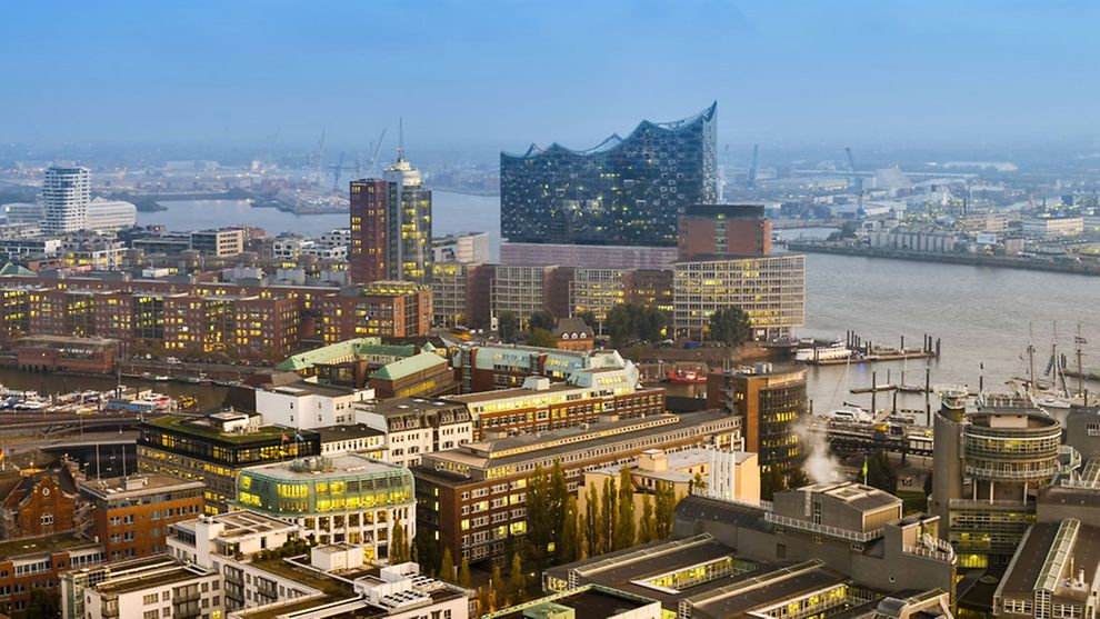 HafenCity district with its new attraction Elbphilharmonie