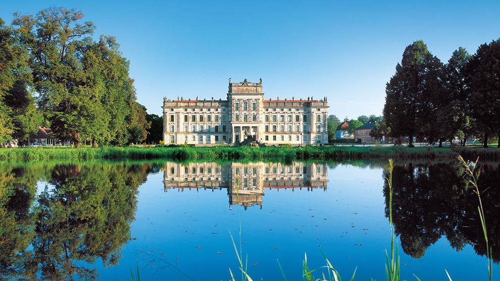 Experience Ludwigslust Castle on a day trip to the metropolitan region! -  hamburg.com