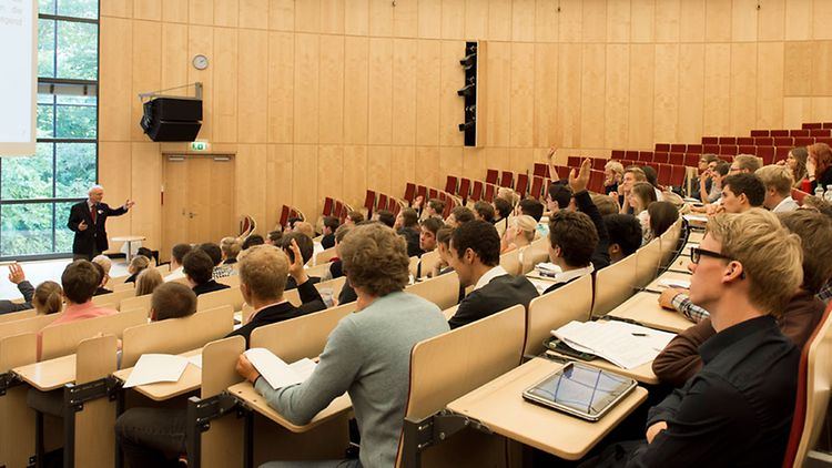 Students at Bucerius Law School