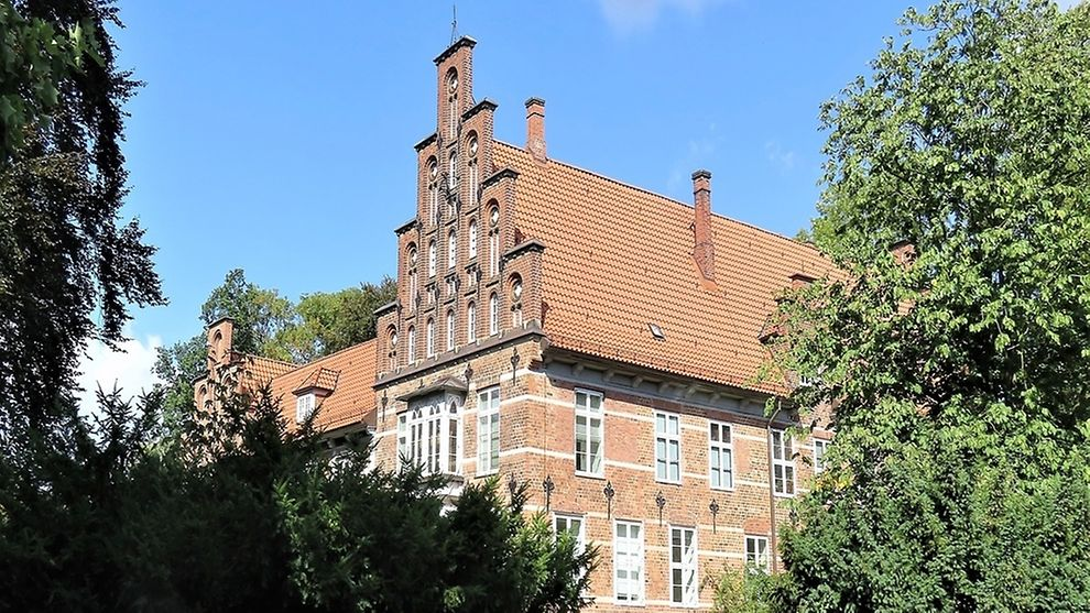 In the centre of Bergedorf visitors find the only medieval castle within the Hamburg city limits