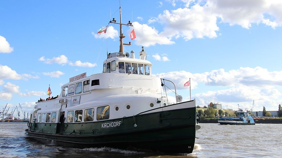 Hamburg has 7 ferry lines to connect the two banks of the Elbe river with each other